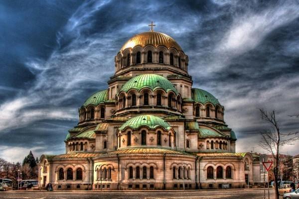 لذت دیدن برترین جاذبه های گردشگری در تور بلغارستان