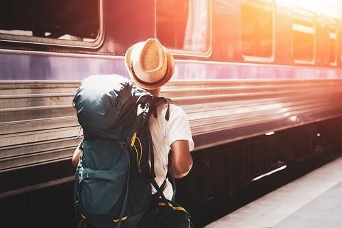 11 دلیل برای اینکه چرا شما باید حداقل یک بار تنها مسافرت کنید